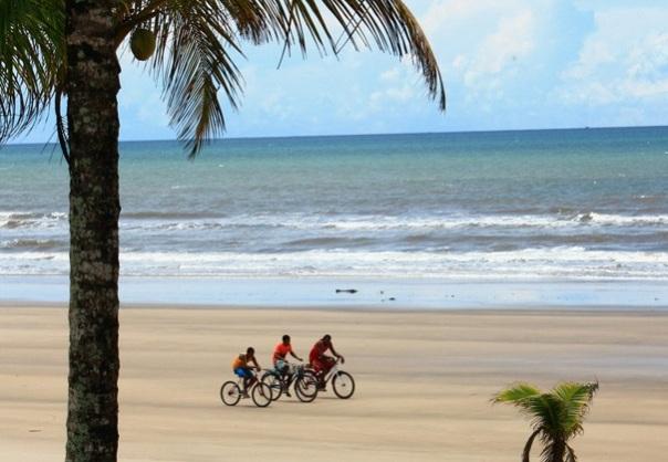 Canavieiras,Beach,biker,bahiatropical,Brazil
